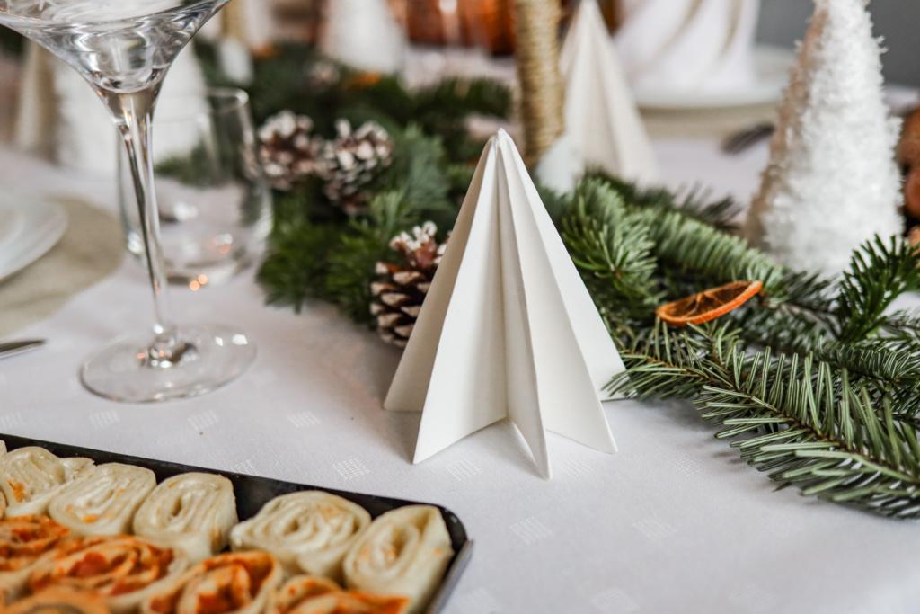 Tuto DIY décoration de Noël table de fête sapin en papier origami